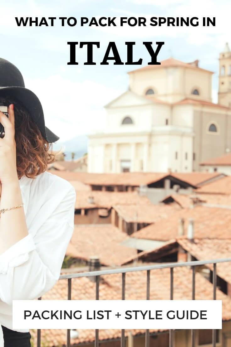 moteris Italijoje fotografuoja + teksto perdanga, ką pakuoti pavasariui Italijoje pakuočių sąrašas + stiliaus vadovas