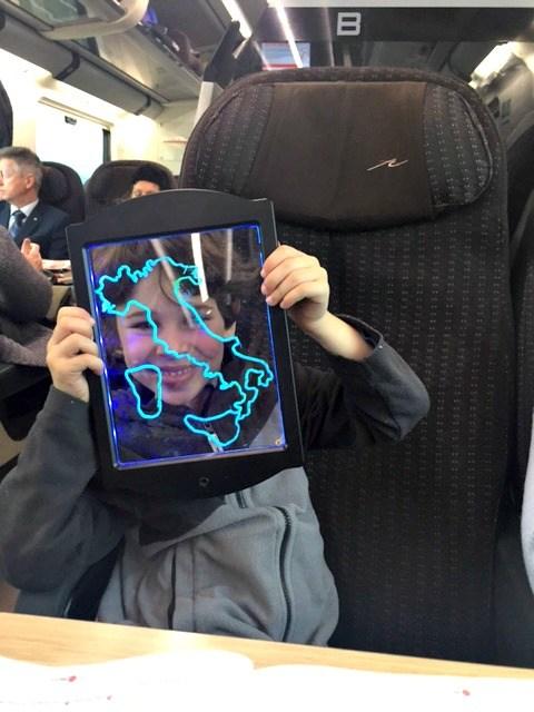 Kaip keliauja traukiniai Italijoje su babais ir mažais vaikais?  Labai patogu, pasak mūsų šypsenėlės p